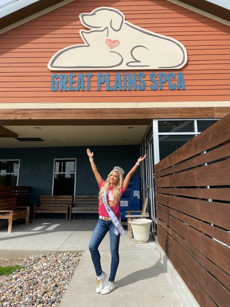 Gracie Hunt, Miss Kansas USA 2021, at Great Plains SPCA
